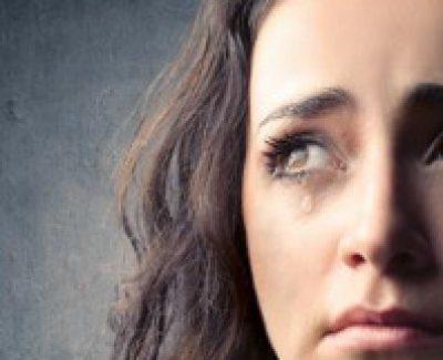4 Gründe für die Tränen einer oder eines Sub während einer Session und wie man sie bekämpft!